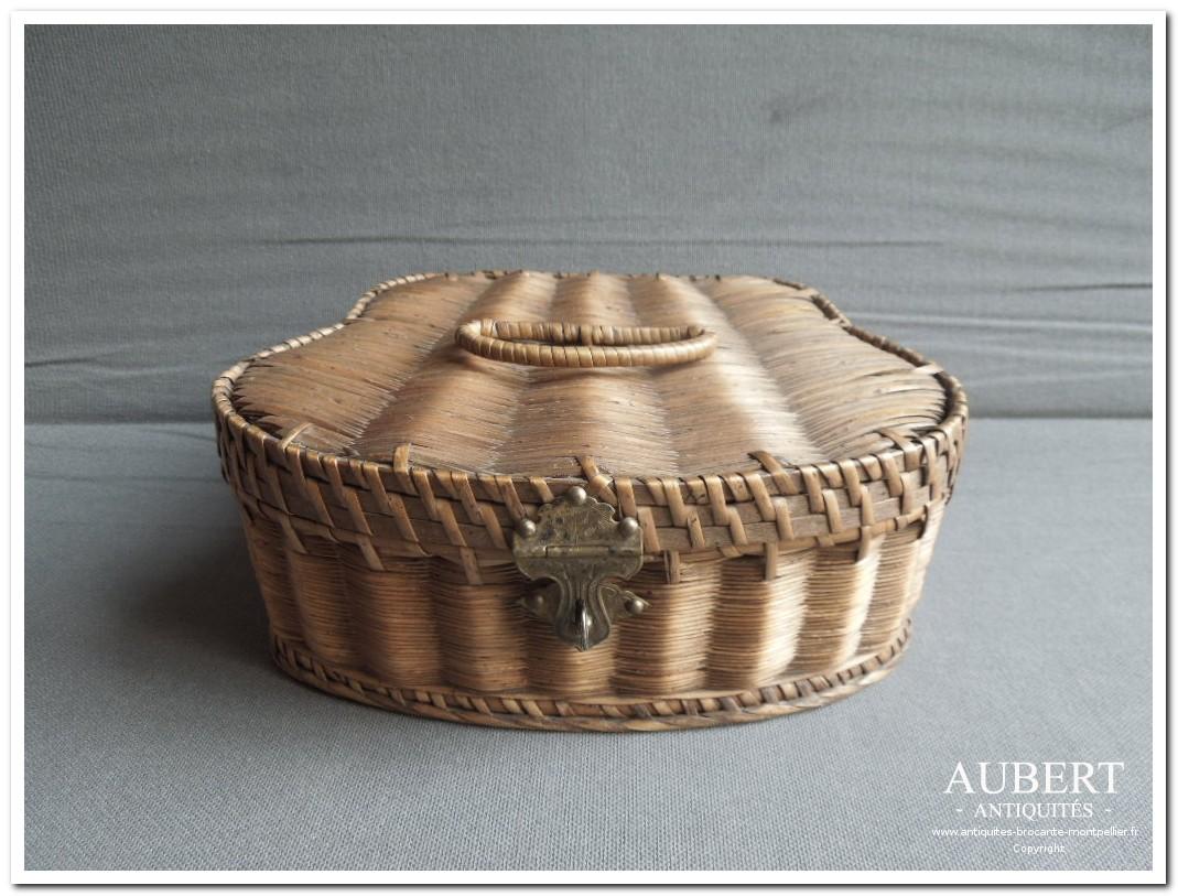 Vente bibelots antiquaire montpellier for Boite montpellier