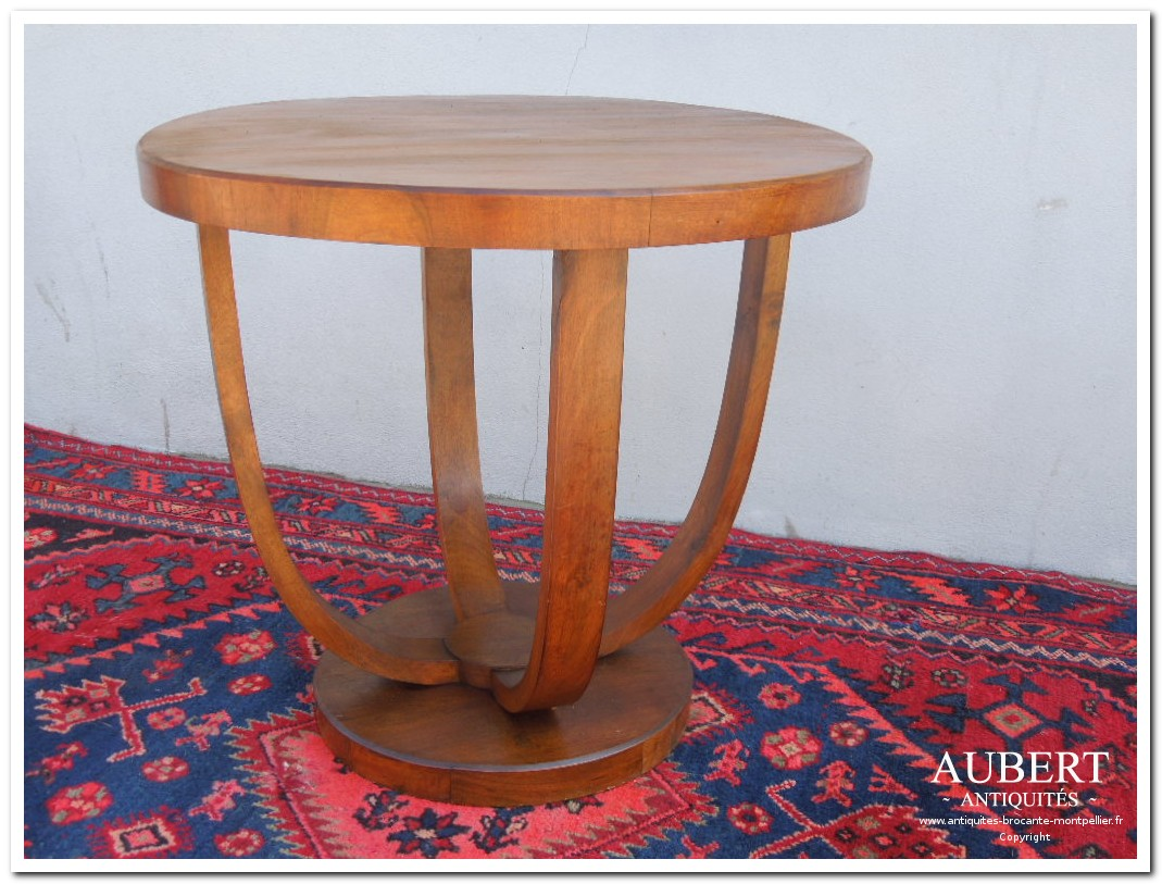 Table basse de salon art deco for Salon art deco
