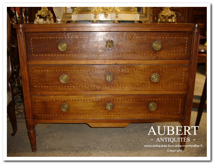 Commode Louis XVI en noyer marqueté brocante antiquites aubert vente achat debarras succession beziers montpellier sete fabregues