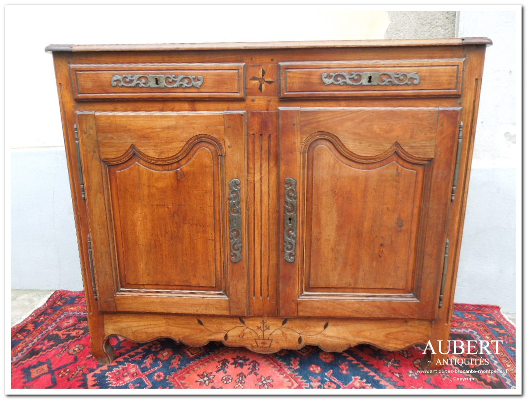 buffet en noyer blond epoque louis XV achat antiquites achat brocante vente antiquites vente brocante antiquaire antiquaires montpellier brocanteur montpellier succession debarras antiquites aubert montpellier fabregues sete beziers gigean