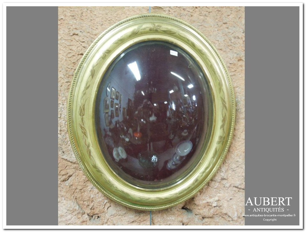 cadre Louis Philippe ovale doré verre bombé achat antiquites achat brocante vente antiquites vente brocante antiquaire antiquaires montpellier brocanteur montpellier succession debarras antiquites aubert montpellier fabregues sete beziers gigean