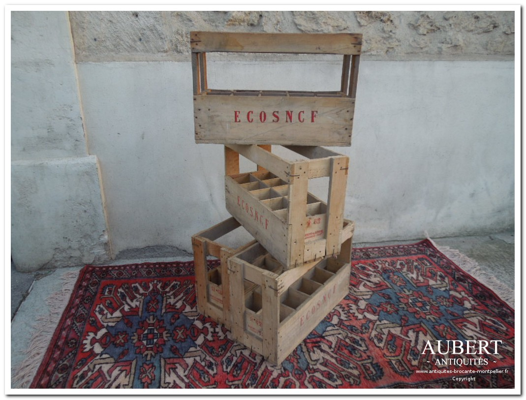 casier a bouteille a utiliser pour deco dans cuisine ou deco industrielle loft achat antiquites achat brocante vente antiquites vente brocante antiquaire sete antiquaires montpellier brocanteur montpellier brocanteur sete succession debarras antiquites aubert montpellier fabregues sete beziers gigean