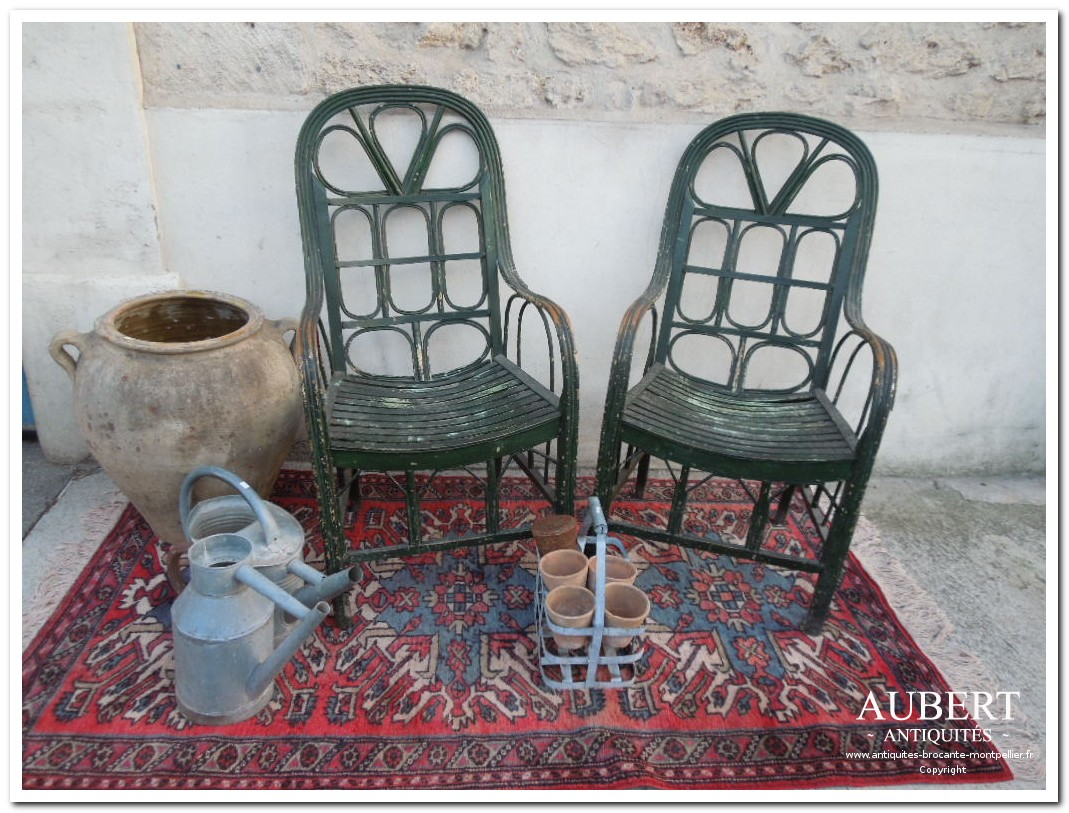paire de fauteuil en rotin pour deco jardin ou jardin d'hiver achat antiquites achat brocante vente antiquites vente brocante antiquaire sete antiquaires montpellier brocanteur montpellier brocanteur sete succession debarras antiquites aubert montpellier fabregues sete beziers gigean