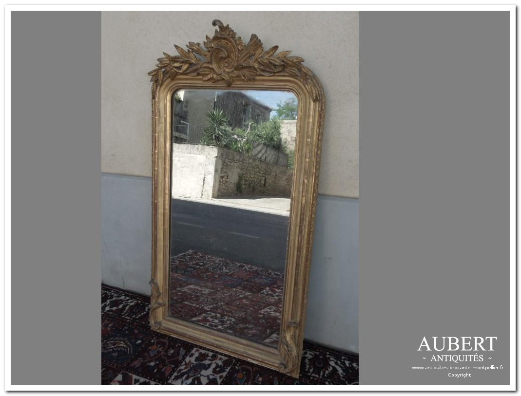 miroir louis Philippe napoleon III doré avec fronton achat antiquites achat brocante vente antiquites vente brocante antiquaire sete antiquaires montpellier brocanteur montpellier brocanteur sete succession debarras antiquites aubert montpellier fabregues sete beziers gigean