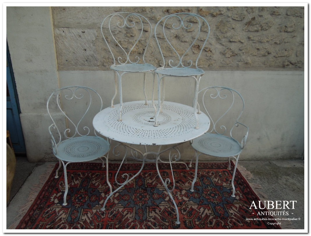 salon de jardin en fer forge 2 chaises 2 fauteuils 1 table pour deco jardin ou veranda achat antiquites achat brocante vente antiquites vente brocante antiquaire sete antiquaires montpellier brocanteur montpellier brocanteur sete succession debarras antiquites aubert montpellier fabregues sete beziers gigean